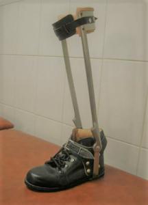 Ortesis de tobillo con zapato